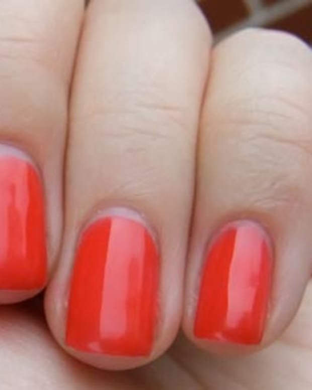 OPI Axxium Gel in Cajun Shrimp_one basecoat_one coat colour_one top coat