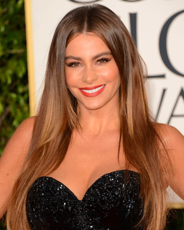 sofia-vergara-golden-globes-2013-red-carpet-02