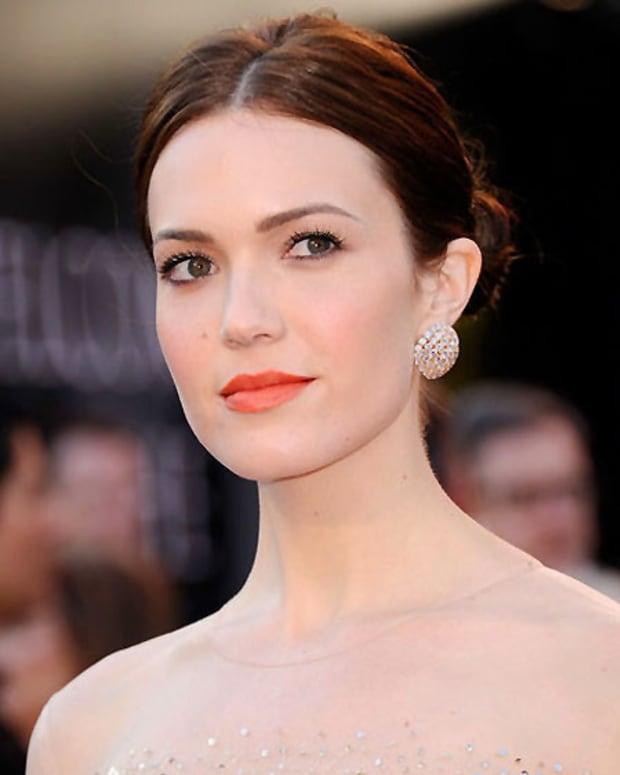 MandyMoore_Oscars2011