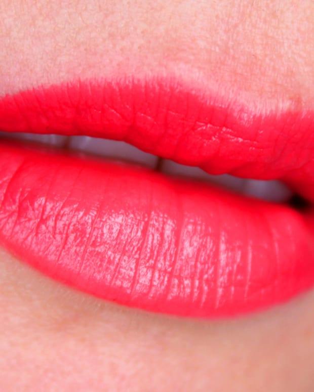 Estee Lauder Pure Color Envy Sculpting Lipstick_Estee Lauder Defiant Coral