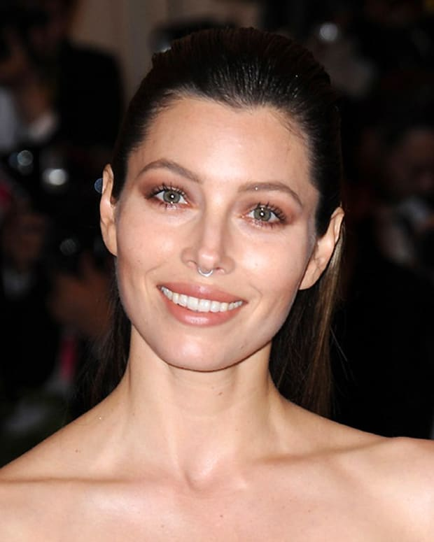 Jessica Biel_Met Ball 2013_nose ring and a smile