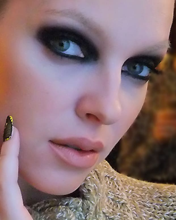 Yellow and lace nails_Lucien Matis FW 2012_Tips Nail Bar_model Valeria