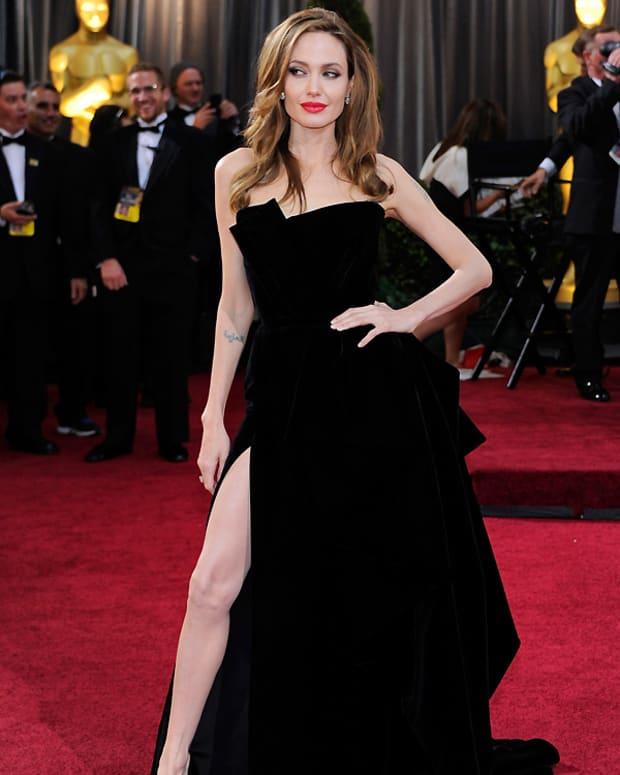 Angelina Jolie Oscars Leg