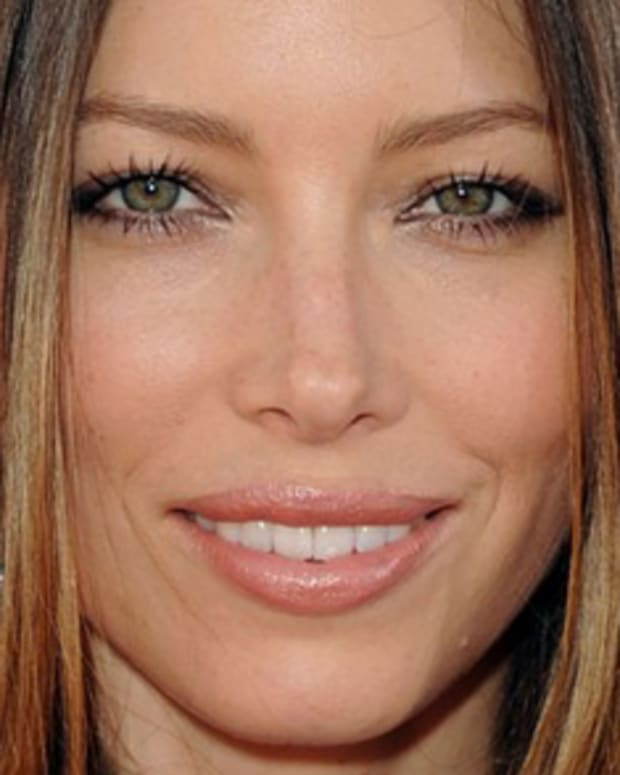 jessica-biel-mtv-movie-awards-2010-03