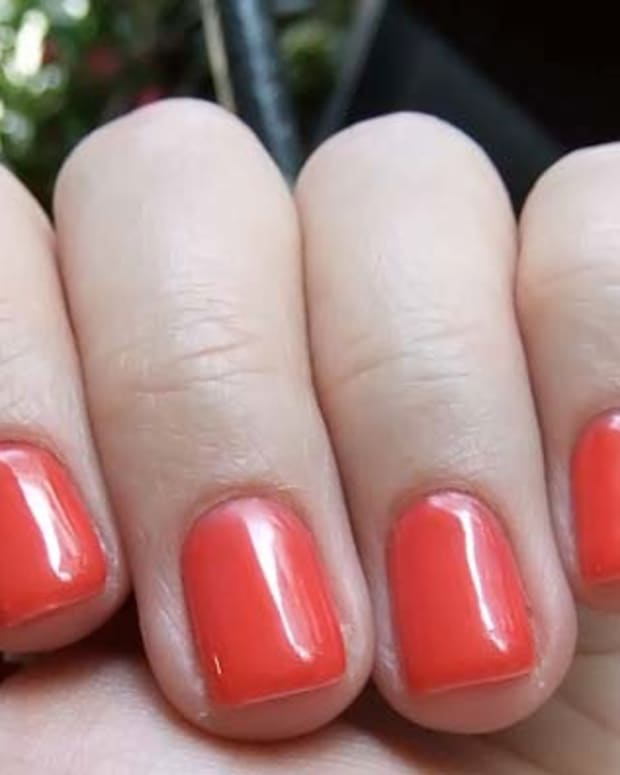 Cajun Shrimp Axxium one base one colour one top coat by @TipsNailBar