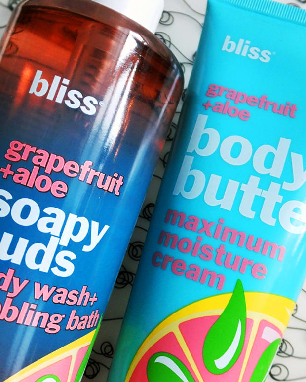 Bliss Grapefruit + Aloe Soapy Suds body wash and Body Butter