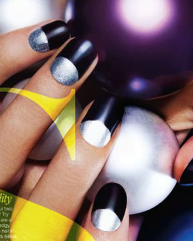 Nails by Leeanne Colley in GLOW Mag_holiday 2010_cropped
