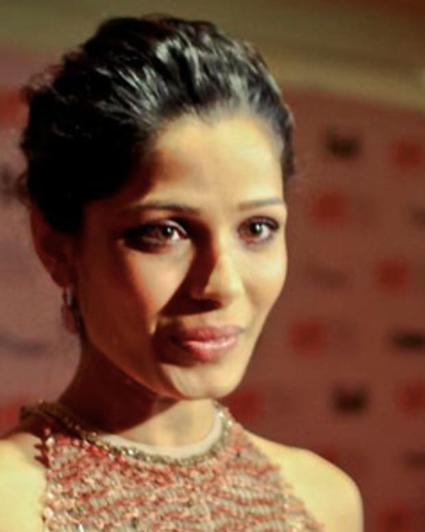 Freida Pinto_TIFF 2011_L'Oreal Paris red carpet