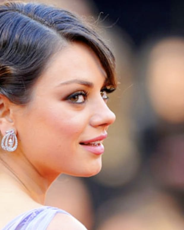 MilaKunis_Oscars2011