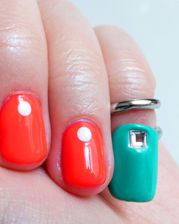 Sephora + Pantone Emerald Tip Nail Ring and dot mani by Melissa at Tips