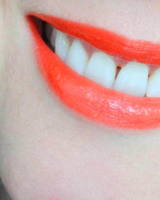 Mary Kay Creme Lipstick in Sunny Citrus
