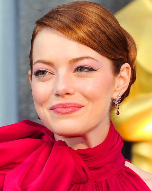 Emma Stone_2012 Academy Awards red carpet