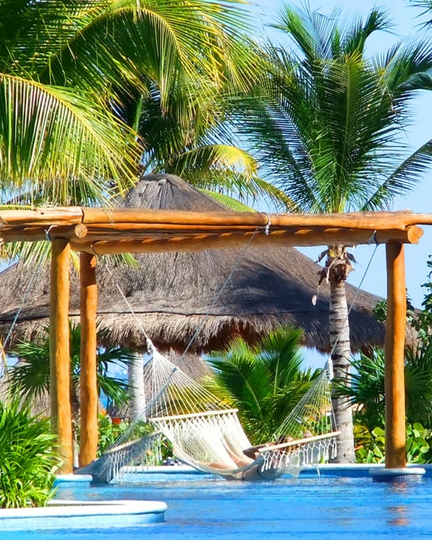 Excellence Playa Mujares_dreamy pool hammock