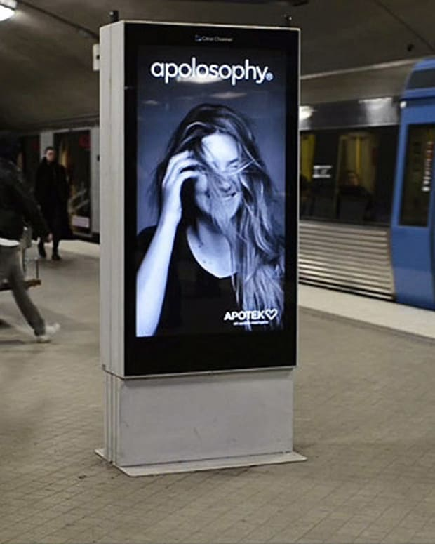 hair moves in subway ad when trains go by_still by Apotek Hjart