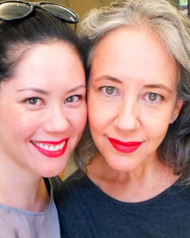 Beautygeeks_Janine Falcon_Liza-LEEZA-Herz_Make Up For Ever Aqua Rouge lip in 8 Iconic Red