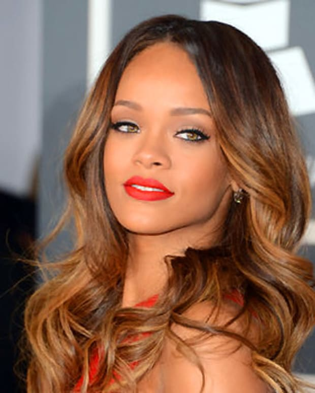 Rihanna beauty_grammy awards 2013