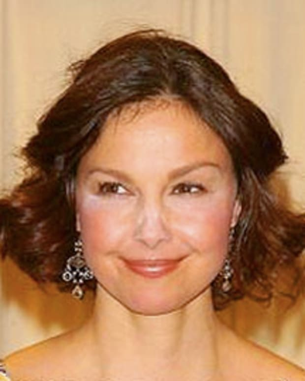 Ashley Judd takes a powder