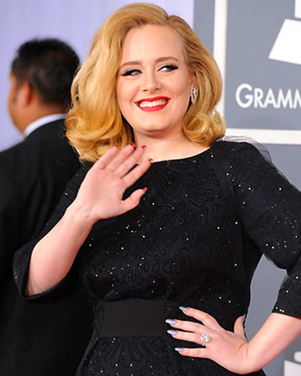 Adele's Louboutin mani