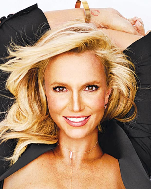 Britney Spears Women's Health cover image crop_Britney Klum or Heidi Spears_via usmagazine.com.jpg