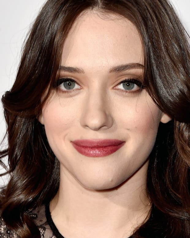 Kat Dennings modern romantic makeup_people's choice 2015