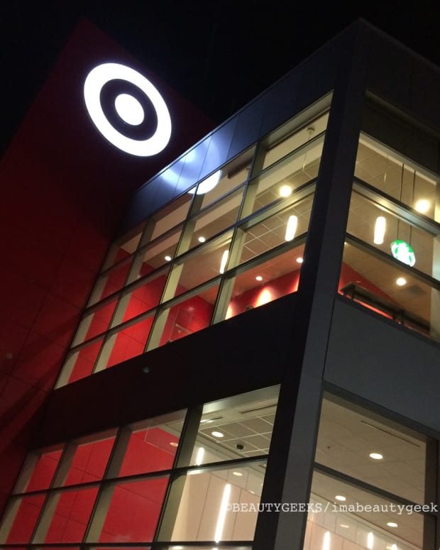Target closing all Canadian stores