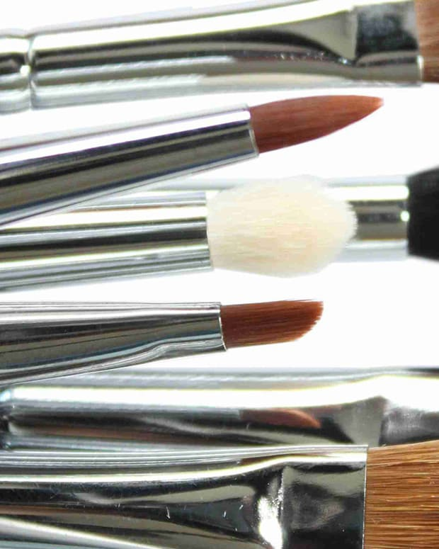 how to dry clean eye shadow brushes