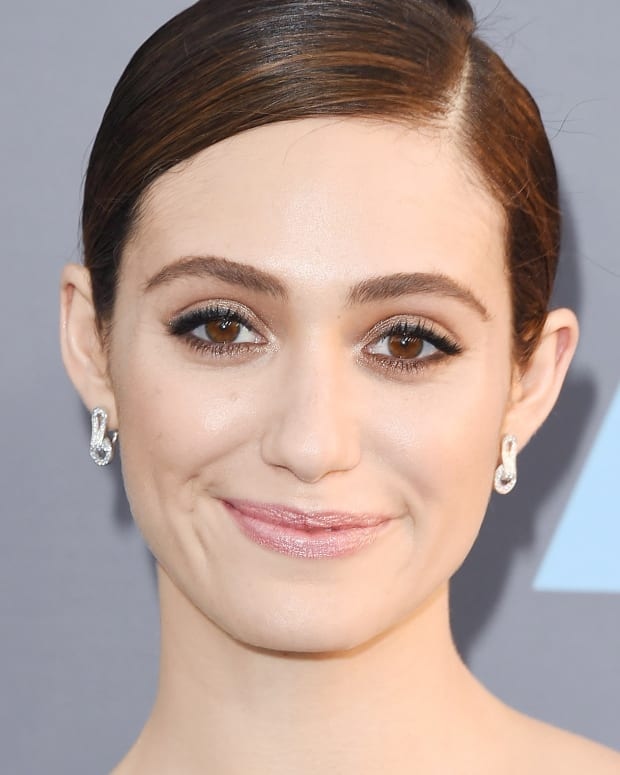 promo_emmy-rossum_critics-choice-awards-2016 makeup.jpg