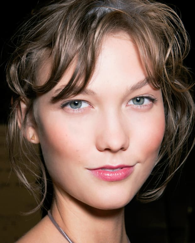 I Heart Blush makeup technique to blush like Karlie Kloss.jpg