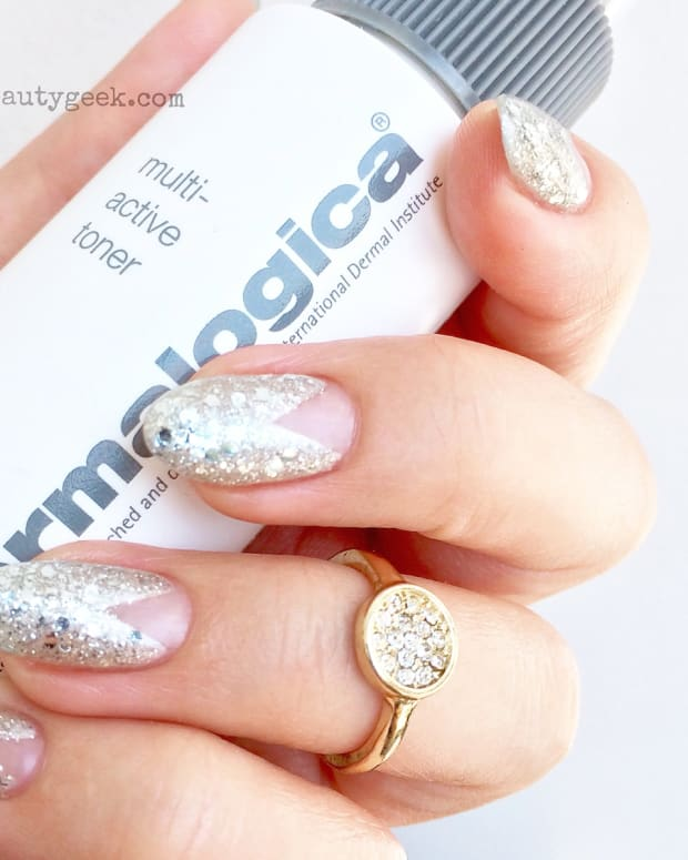 Silver Glitter Chevron mani_by Leeanne Colley at Tips Nail Bar_Toronto.jpg