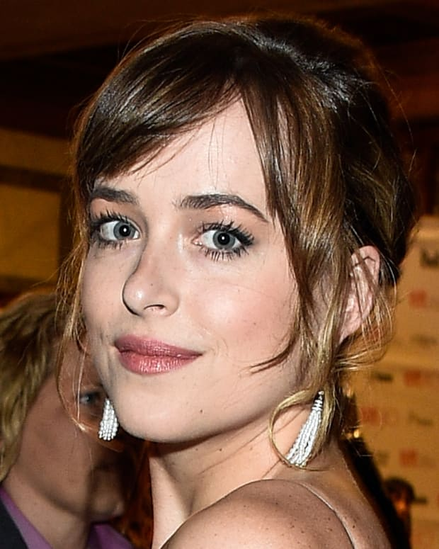Dakota Johnson TIFF 2015 makeup_crop_night flash.jpg