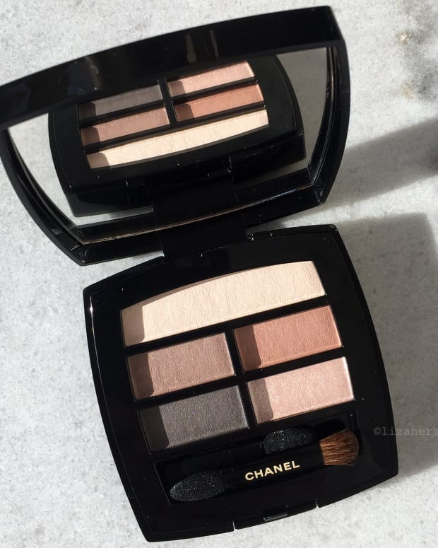 Chanel Les Beiges eyeshadow palette_photo by Liza Herz