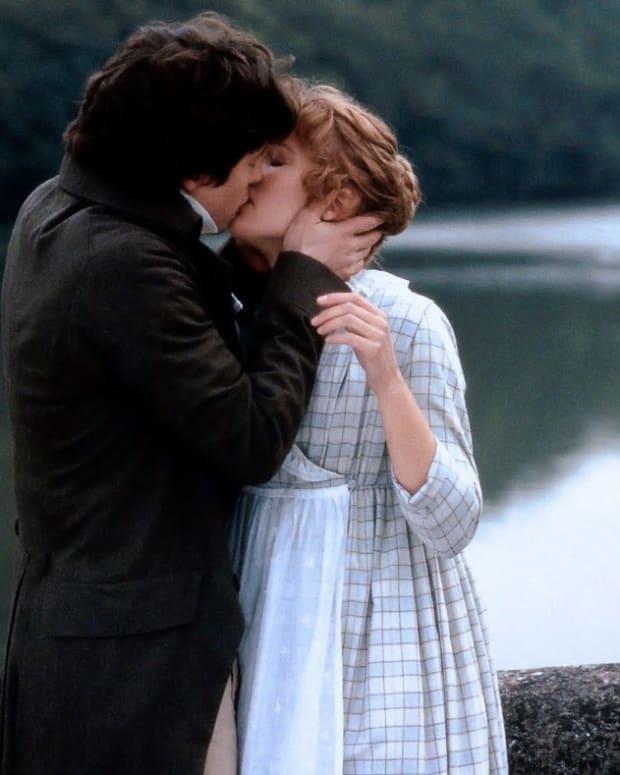 Sense & Sensibility Hugh Grant and Emma Thompson crop