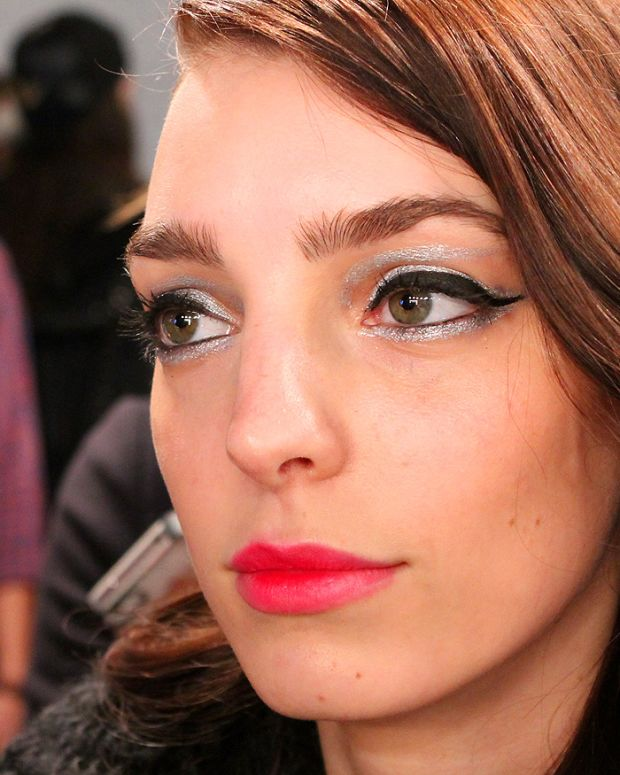 silver and black liner_Dajana_backstage beauty_Line knitwear wmcfw_makeup by Grace Lee for Maybelline