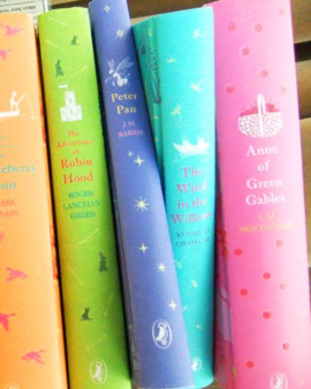 vintage-style books_indigo holiday 2011