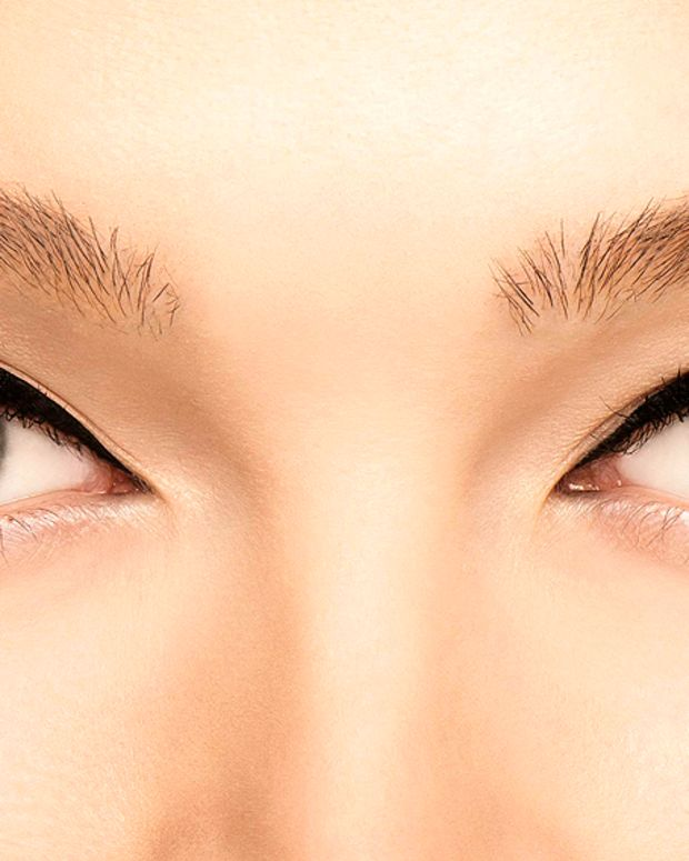 Benefit they're real push up liner reviews_how to_swoop up & away_wow