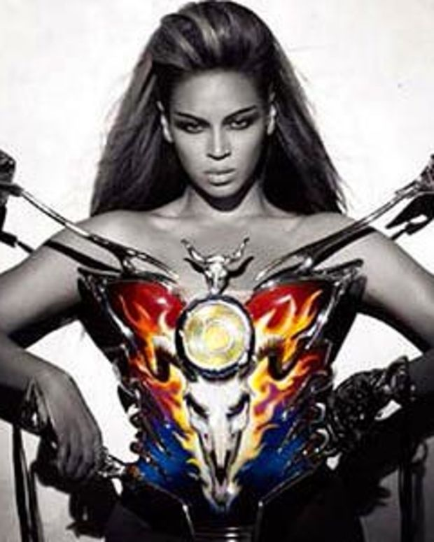 Beyonce in Thierry Mugler