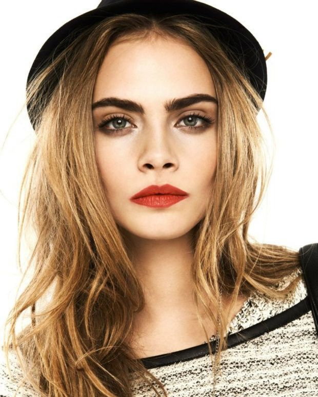 bold lips smokey eyes_Cara_desk to date makeup