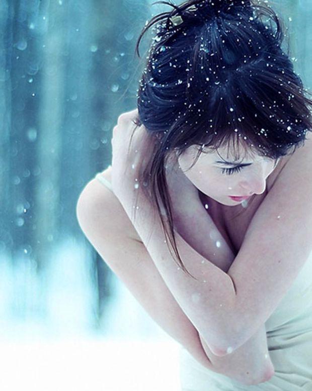 girl-brunette-snow-white-photography