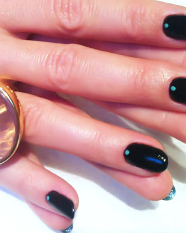 louboutin mani variation_Lincoln Park After Dark_Turquoise & Caicos_glitter