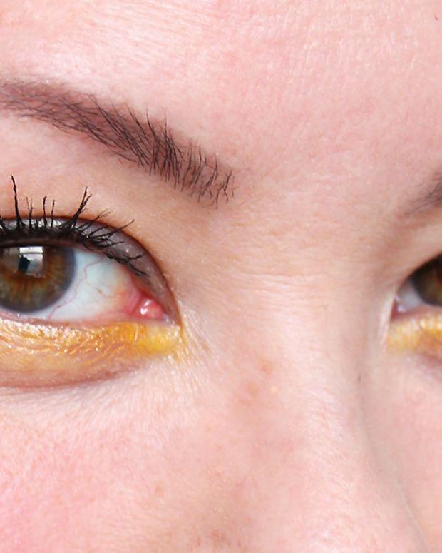 how to wear yellow eyeshadow_revlon rio rush in exotic