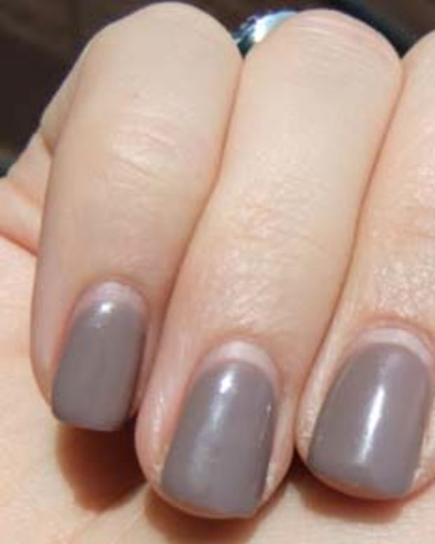three-week-old OPI Gel Axxium in You Don't Know... Janine