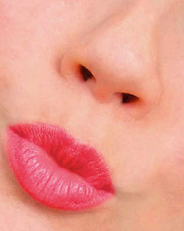 Bourjois-Paris_Sweet-Kiss-Lipstick_57-Fuchsia-Class