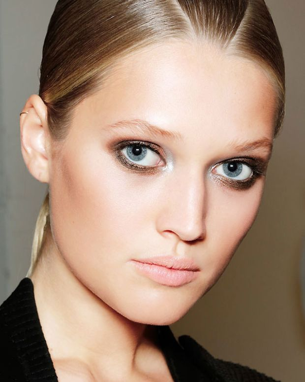 natural contour_night_and eyes-gianfranco-ferre-xln