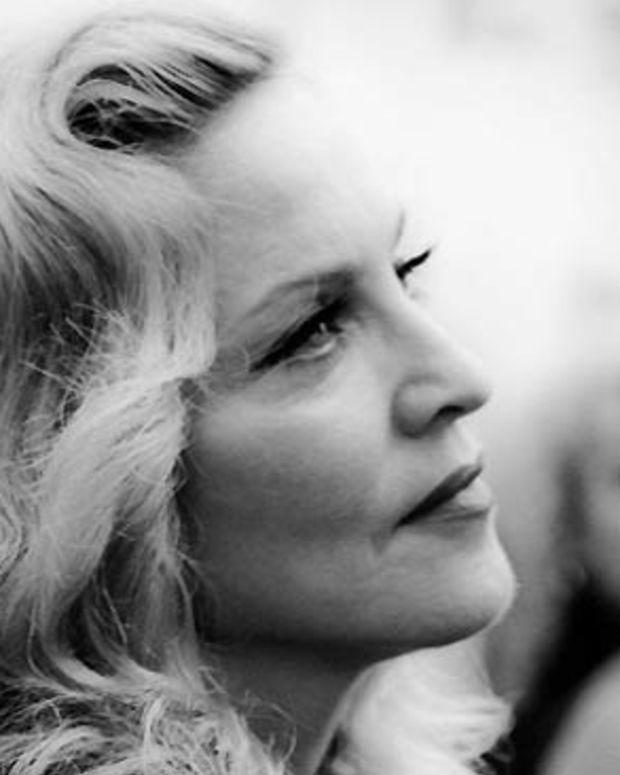 Madonna_W.E. TIFF 2011 red carpet_Scott Meleskie