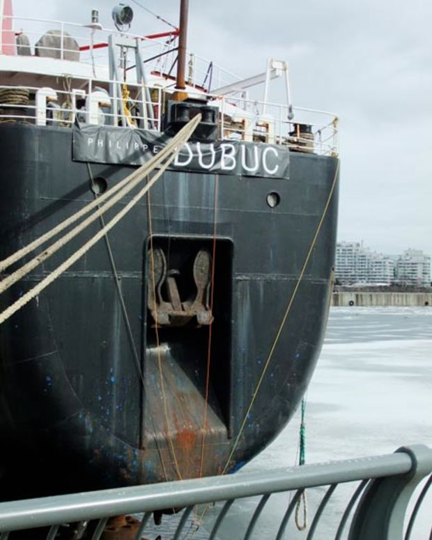 the Gordon C Leitch at Old Port's quai Alexandria in Old Montreal