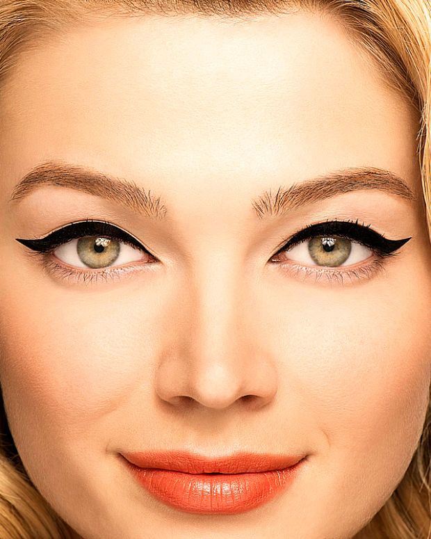 Benefit They're Real Push Up Liner_beauty look_swoop up & away