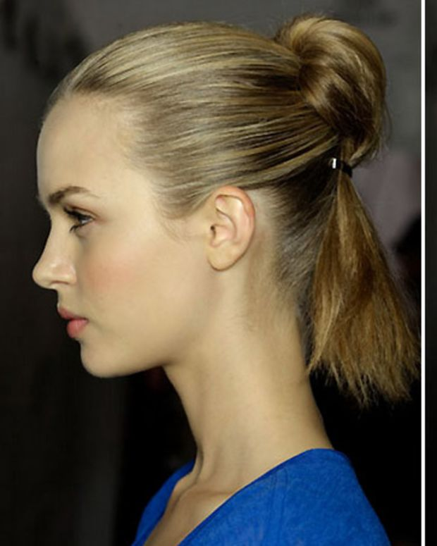 Marc by Marc Jacobs Spring 2012 ponytail bun