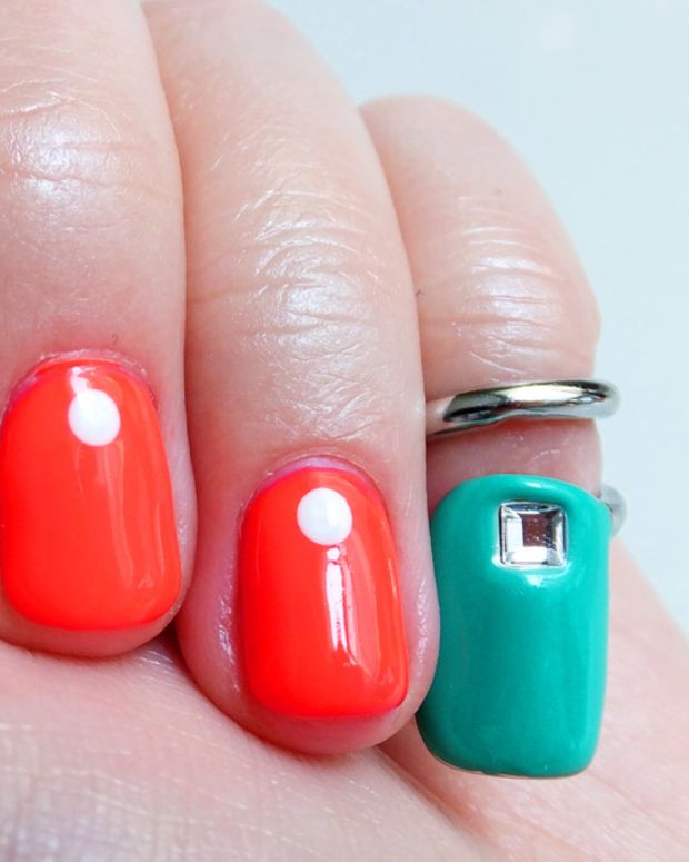 Sephora + Pantone Emerald Tip Nail Ring and dot mani by Melissa at Tips
