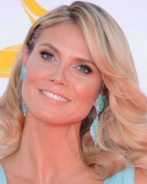 12 teeth whitening facts you NEED to know_Heidi Klum_emmys 2012