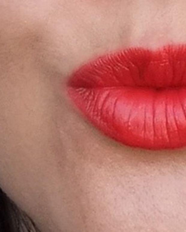 L'Oreal Paris Colour Riche Lipstick in #350 British Red